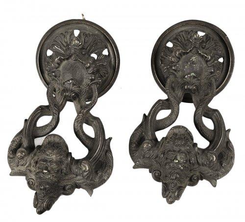 Paire de Heurtoirs en bronze, Venise 17e siècle