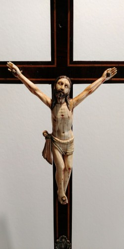 17th century - Polychrome Ivory Christ, Indo Portuguese, Goa 17th century