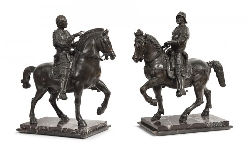 Antiquités - Pair of bronze equestrian statues - circa 1870