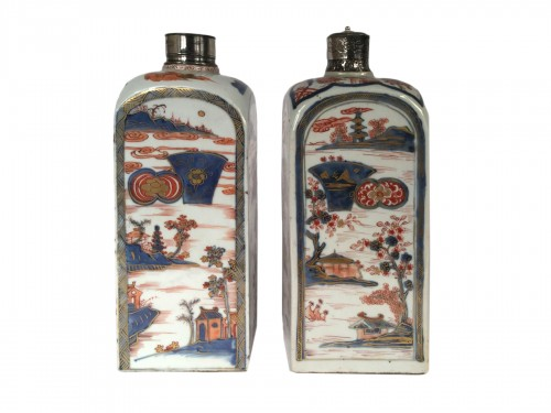 Pair of Imari porcelain bottles, late 17th century