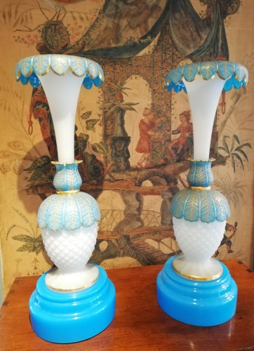 Pair of opaline vases 19th century - Glass & Crystal Style