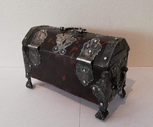 Mexican box, 1st half of the 18th century - Antique Silver Style
