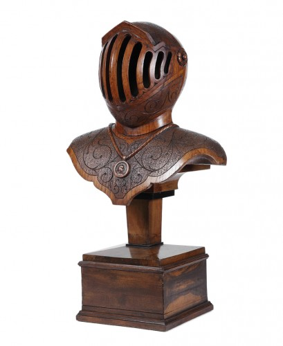Bust armor carved wood