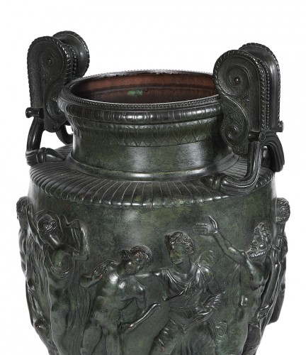 Decorative Objects  - Hammered copper vase of the Grand Tour