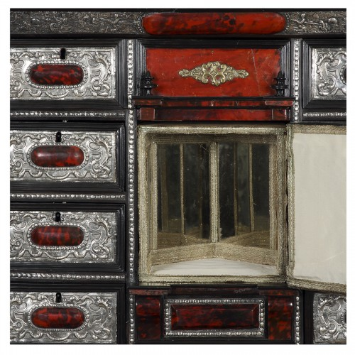 Furniture  - Italian cabinet and its console - 18th century