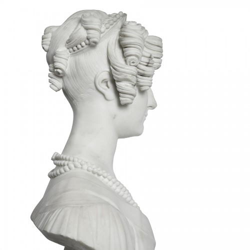 19th century - Bust of a woman in Carrare marble, Italy 19th century