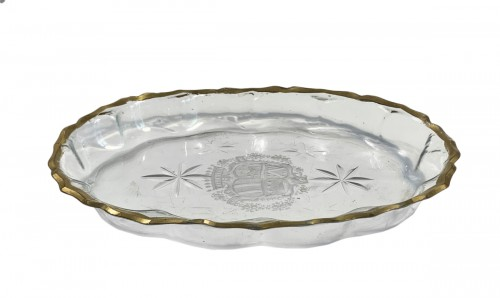 Oval glass dish curved 18th century