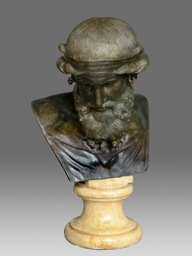 Bust of Dionysos / Plato - Sculpture Style