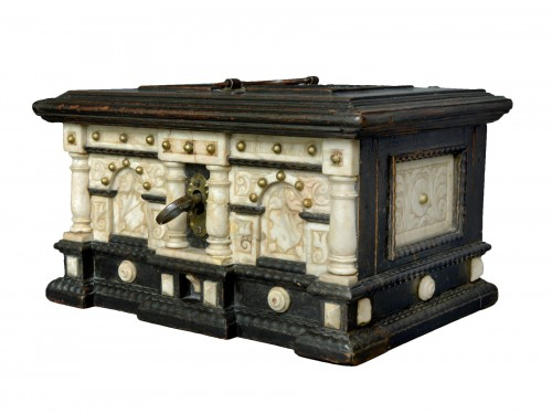 Renaissance alabaster and ebonized wood box circa 1600-1630