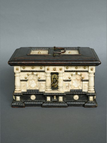 Renaissance alabaster and ebonized wood box circa 1600-1630 - Curiosities Style Renaissance