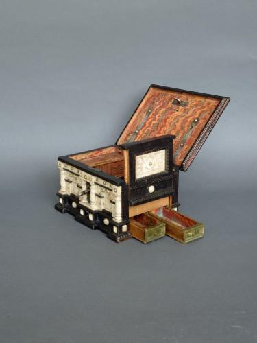 17th century - Renaissance alabaster and ebonized wood box circa 1600-1630