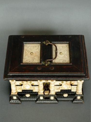 Renaissance - Renaissance alabaster and ebonized wood box circa 1600-1630