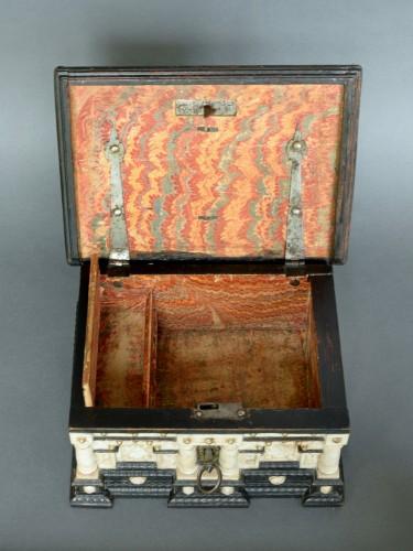 Antiquités - Renaissance alabaster and ebonized wood box circa 1600-1630
