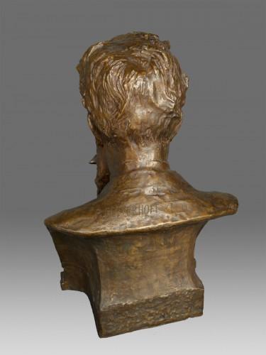 Bust of W. C. Röntgen by Reinhold Felderhoff Berlin -