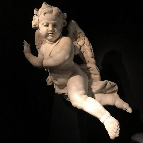 Pair of marble cherubs, Italy 17th century