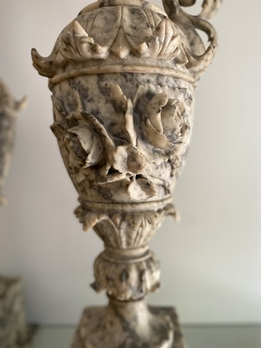Pair of ewers in alabaster - Decorative Objects Style Napoléon III
