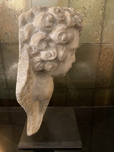 Sculpture  - Head of cherub in white marble