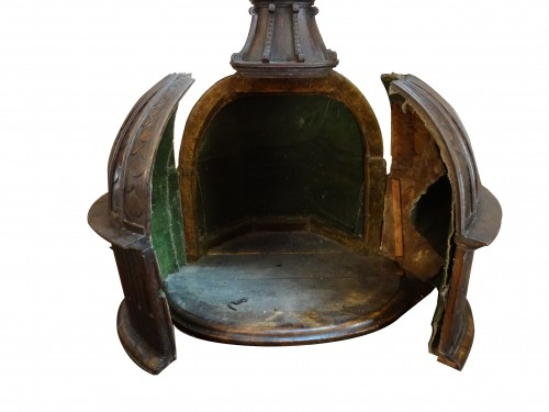 A late 16th century Baptistery, in walnut wood -