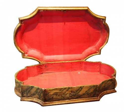 18th century wigsbox - Curiosities Style