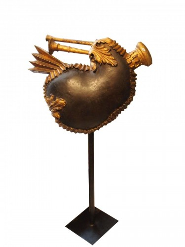 Bagpipe sign, gold lacquered sheet metal, 18th century