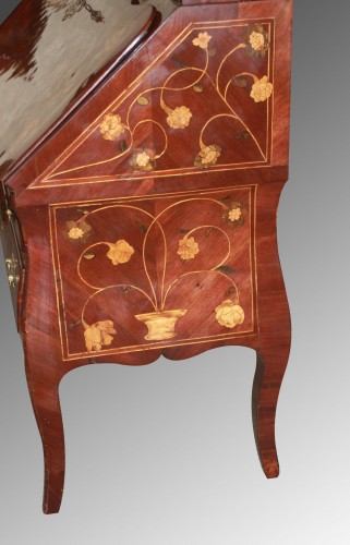 Scriban in floral marquetry, attributed to Nicolas Couleru - Furniture Style Louis XV