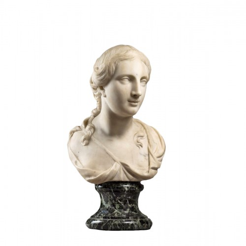 women bust in marble  early XVIIIe