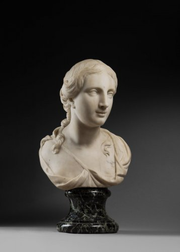 women bust in marble  early XVIIIe - Sculpture Style