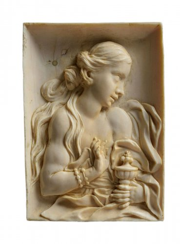 Mary Magdalena in ivory attrib to a Galle