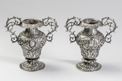 Pair of 17th century silvered vase - Decorative Objects Style Louis XIII