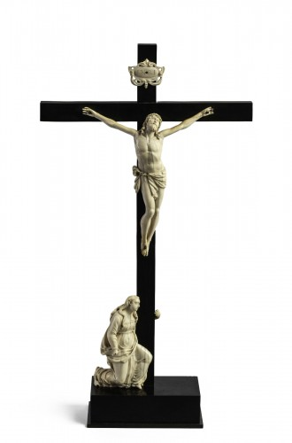 Crucifixion Ivory, Italy end of the 17th century