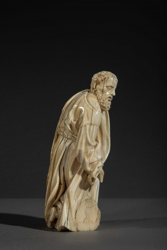 Kneeling figure in ivory - Spain, c. 1600 - Sculpture Style Louis XIII