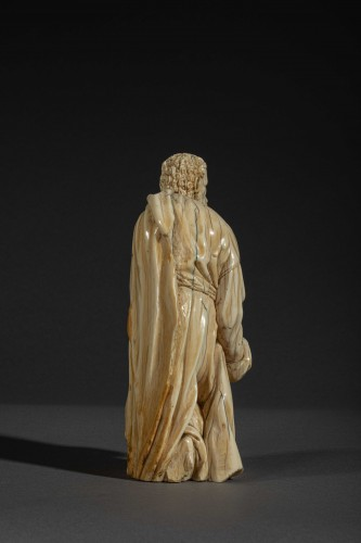 Kneeling figure in ivory - Spain, c. 1600 -