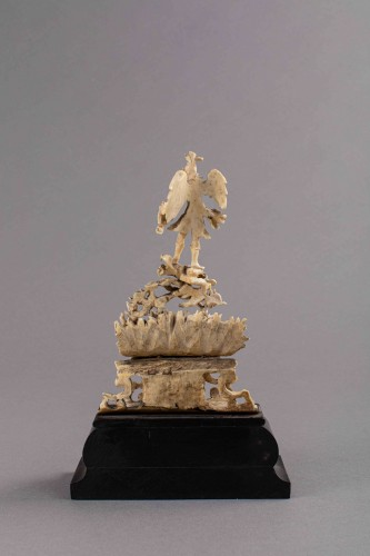 St Michael slaying the demon, ivory - Southern Italy or Sicily, late 17th c - Religious Antiques Style French Regence