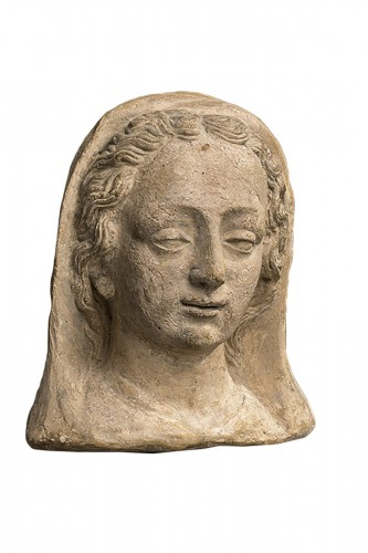 French Head of a woman in terracotta XVII century