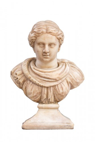 Marble bust of a woman after the Antique - 17th century