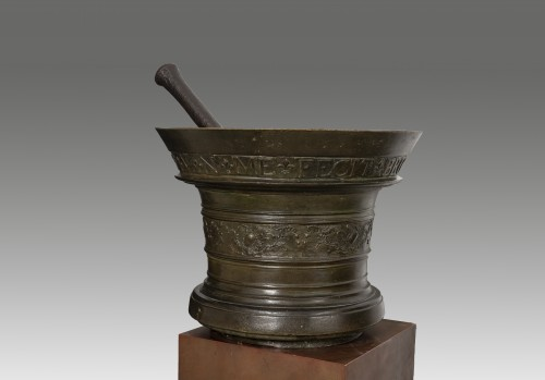 Apothecary's mortar and bronze pestle - Brussels, 1746 -