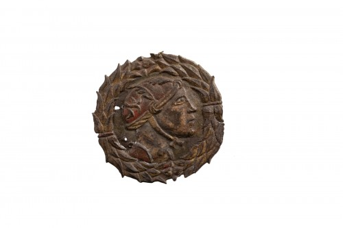 Medallion in iron representing a soldier - Spain, 16th century