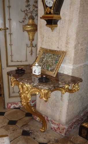 French Louis XV period carved and gilt wood console table, circa 1750 - Furniture Style Louis XV