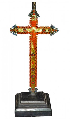 Sicilian Trapani coral and gilt brass crucifix, 17th century