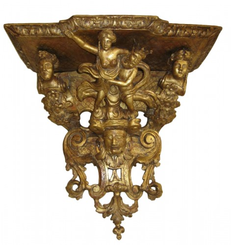 French Louis XIV period wall bracket, circa 1700