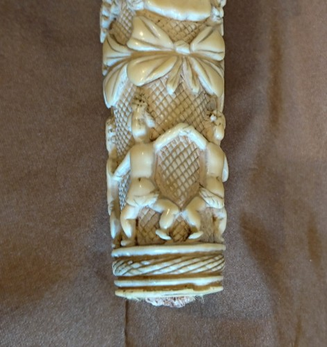 French Dieppe carved ivory hunting knife handle, 1st half of the 18th c. -