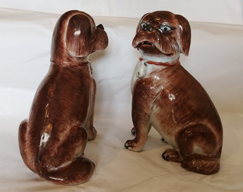 Porcelain & Faience  - A pair of Chinese export porcelain seated pugs, circa 1760