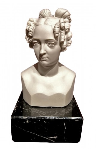 Queen Elizabeth of Prussia . German porcelain bust circa 1825