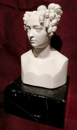 Porcelain & Faience  - Queen Elizabeth of Prussia . German porcelain bust circa 1825