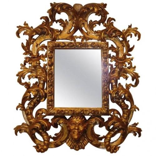 Roman baroque carved and gilt wood mirror, circa 1700-1720