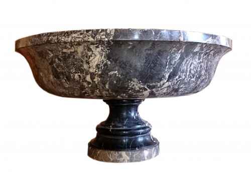 A large Roman Aquitaine grey marble tazza in the Antique manner, c. 1780