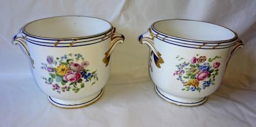 Antiquités - A pair of Sevres soft-paste bottle coolers, 1771 Bouillat
