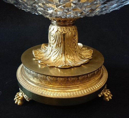 A pair of French Empire period ormolu and crystal etageres, circa 1810 - Decorative Objects Style Empire