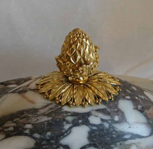 19th century - A French neoclassical marble and ormolu covered coupe