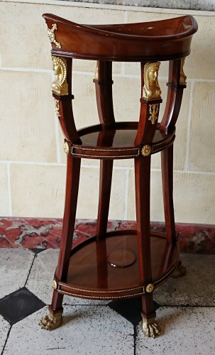 Small Empire period mahogany and gilt bronze table - Furniture Style Empire